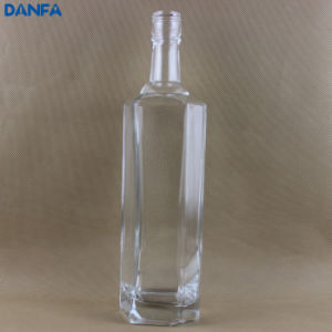 700ml Glass Liquor Bottle (Ultra Premium Super Flint Glass with Brilliant Clarity) pictures & photos