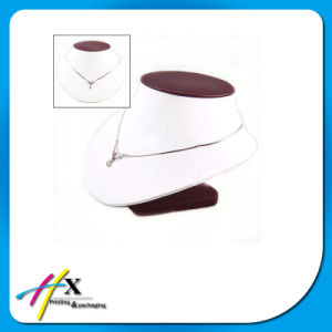 China Factory Handmade Good Quality MDF PU Jewelry Display pictures & photos