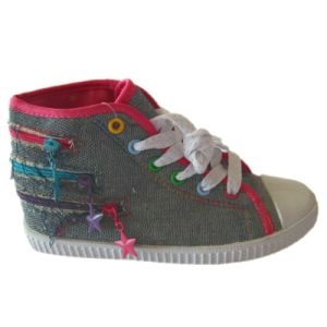 Autumn, Summer, Spring Season Canvas Shoes for Kids pictures & photos