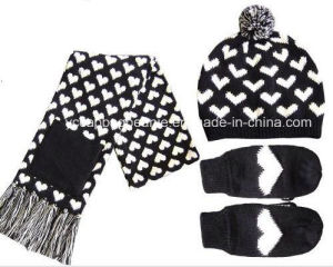 Knitted Winter Hat Gloves Scarf Set pictures & photos
