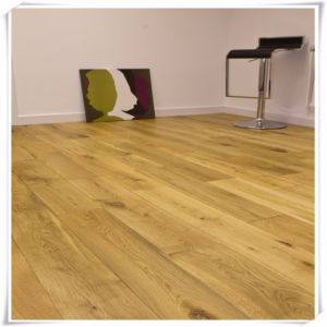 Oak Engineered Wood Flooring for Kitchen pictures & photos