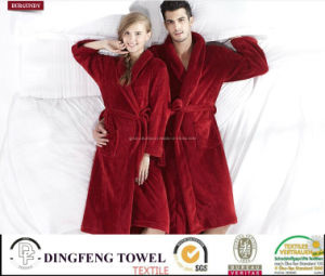 New Fashion Lover′s Solid Color Coral Fleece Bathrobe Df-8853 pictures & photos