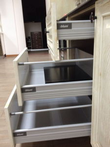 Guanjia Kitchen MDF High Gloss Lacquer Base Drawer Cabinets pictures & photos
