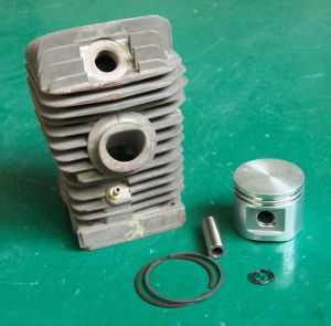 230 St Chainsaw Parts Cylinder Kits pictures & photos