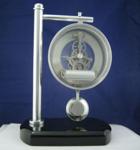Brass Corporate Anniversary Gifts Pendulum Wood Desk Clock pictures & photos