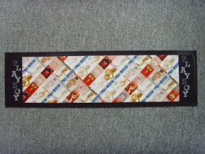 Licensing Bar Runners for Party /Celebration pictures & photos