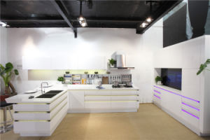 Welbom Modern White High Gloss Kitchen Furniture Kithcen Cabinet with Island pictures & photos