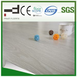 8mm German Techology White Oak Embossment Surface Laminate Flooring pictures & photos