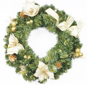 Christmas Wreath with Ribbon and Berries (DIA: 45CM)