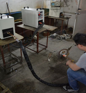 Hf-40kw High Frequency Induction Heating Machine and 2m Flexible Coaxial Line pictures & photos