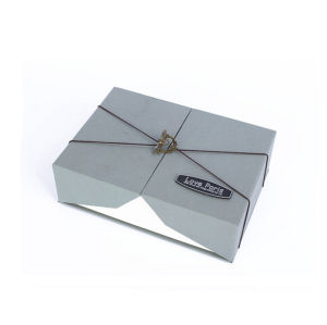 Folding Packaging Paper Box for Gift pictures & photos