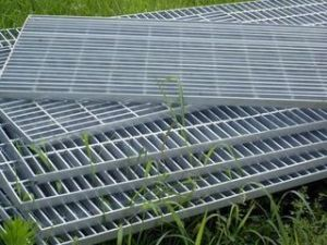 Flooring/304/316/Galvanized Certified Stainless Steel Bar Gratings pictures & photos