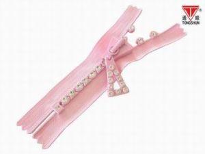 Close End Diamond Zipper for Garment (3#, 4#, 5#, 7#, 8#, 10#) pictures & photos