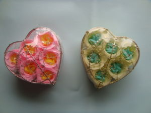 Paper Rose Soap Flower in Heart Gift Shape Set pictures & photos