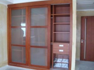 Maple Solid Wood Sliding Wardrobe Cabinets pictures & photos