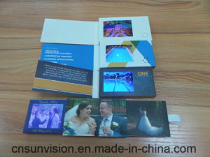 "2.4"" LCD Business Marketing Brochure Music Weeding Card pictures & photos"