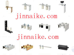 Cantilever Gate Guide Bracket with Four Nylon Rollers pictures & photos
