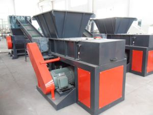 Single Shaft Design and 350-600kg/H Capacity Waste Plastic Grinding Machine pictures & photos