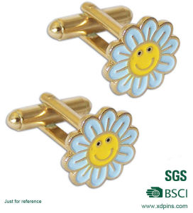 Cute Gift Customized Flower Shape Cuff Link pictures & photos