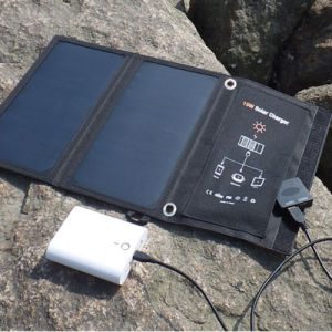 15W Universal Solar Panel Battery Charger for iPhone iPad Galaxy pictures & photos