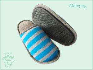 New Stripe Winter Warm Slipper for Child Kids pictures & photos