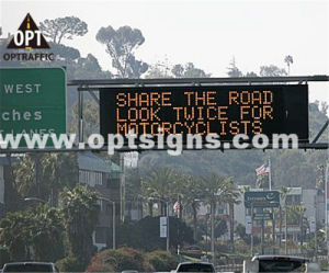 Optraffic OEM En 12966 Road Highway Traffic Control Remote Controlled LED Signs, Message LED Sign, Portable LED Sign pictures & photos