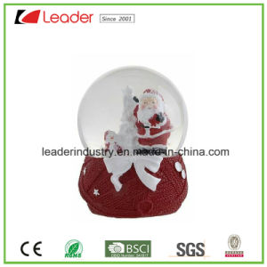 New Design Resin Snow Globe Snowman Figurine for Souvenir and Promotional Gifts pictures & photos