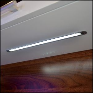 Recessed LED Cabinet Light Strip pictures & photos