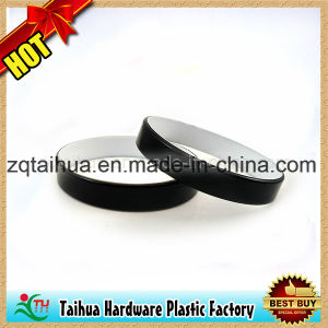 Fashion Embossed Color Filled Silicone Wristband with Thb-001 pictures & photos