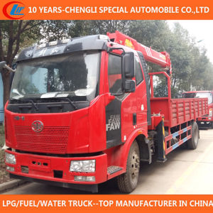 China Superior 6t 7t Truck with Crane 4X2 Truck Crane pictures & photos