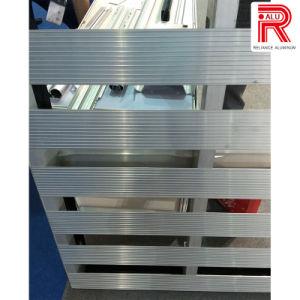 Aluminum/Aluminium Extrusion Profiles for Logistic Tools pictures & photos