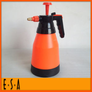 Hot New Product for 2015 Flower Water Can with Cheap Price, Recycled 2L Plastic Water Cans, Plastic Garden Watering Can T34A004 pictures & photos