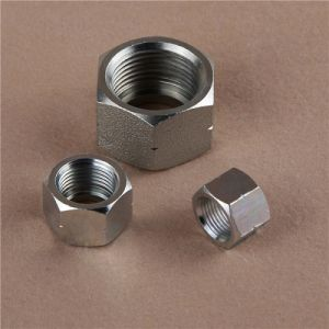 Jic Male 74 Degree Cone Bulkhead Hydraulic Hose Fitting pictures & photos