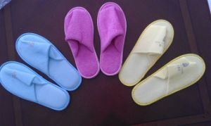 Color Customized Disposable Slipper Shoes pictures & photos
