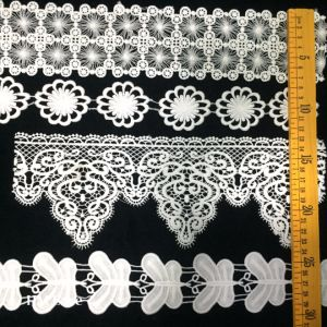 Pompom Trimming Lace Ball Tassel Lace Border with Newest Designs pictures & photos