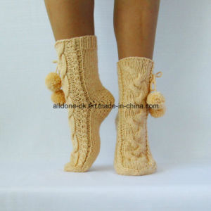 Factory Custom Hand Knit Winter Boot Slipper Socks pictures & photos