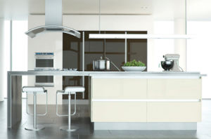 Apartment MDF Lacquer Kitchen Cabinet pictures & photos