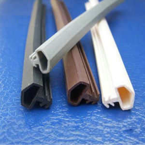 Black Extrusion Flexible Rubber Door Bottom Seal pictures & photos