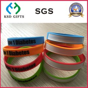 Wholesale Custom Silicone Bracelets with Writing on Your Name pictures & photos