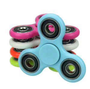 2017 Triangle LED Hand Spinner Plastic LED Fidget Spinner Finger Fingertip Gyro Tri-Spinner Handspinner Fidget Toys EDC Decompression Toy pictures & photos