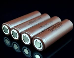 LG 18650 3000mAh/20A High-Rate Lithium Battery (HG2) pictures & photos