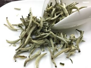 China Tea EU Standard Bai Hao Silver Needle Chinese White Tea pictures & photos