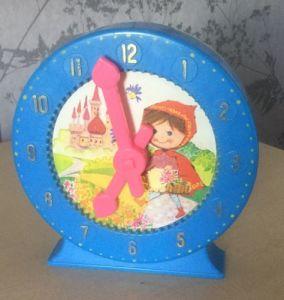 Vintage Plastic Clock Money Box pictures & photos