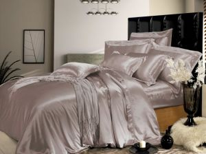Taihu Snow Home Textile Oeko-Tex Quality Bed Linen Sheet Seamless Silk Duvet Cover Silk Bedding Set pictures & photos