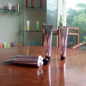 30g Shiny Coating Aluminum Laminated Tube for Hand Cream pictures & photos