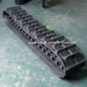 Rubbertracks for Kubota 688 Harvester pictures & photos