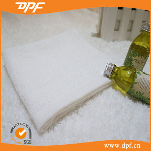 Wholesale Pure White Plain Dyed Hotel Towel (MIC052619) pictures & photos