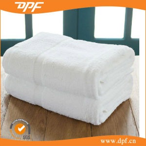 2015 New Cheap Promotional Wholesale Hotel Bath Towel (DPF061202) pictures & photos