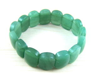 Fashion Natural Crystal Green Aventurine Tumbled Nugget Bracelet Bangles pictures & photos