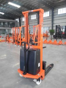 Material Handling Tool 1.0t Light-Type Mini Reach Semi Electric Stacker pictures & photos